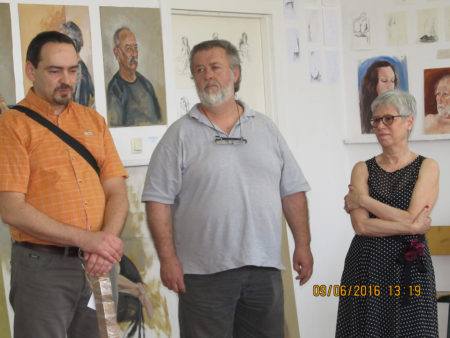 Artist Darko Topalski receives prize of the Academy of classical paintings as the Best Student